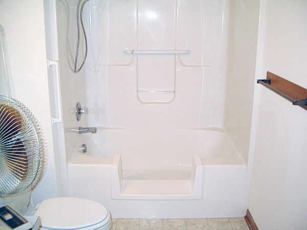 Creative Bath Systems Walk-Thru Bathtub Insert